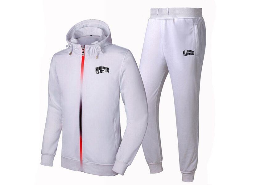 Изображение белой толстовки, как элемента спортивного костюма